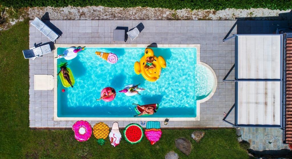 La piscine fuori terra e gli altri must have dell'estate