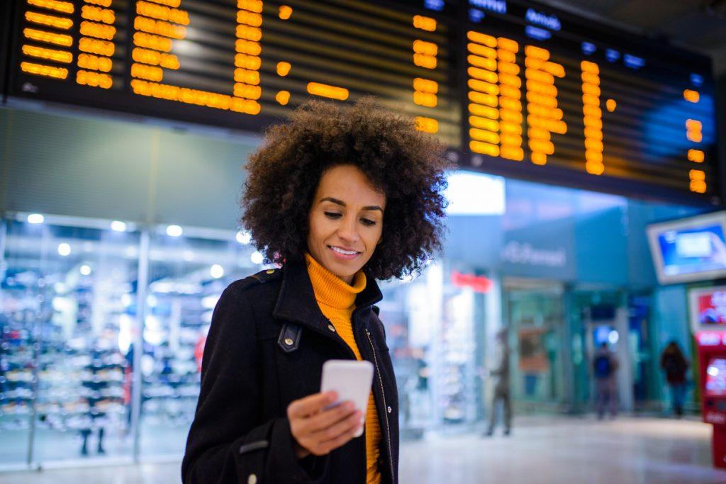 Gli italiani pianificano le vacanze con lo smartphone