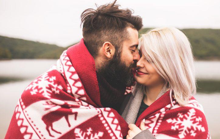 coppia, amore, abbraccio, sessismo