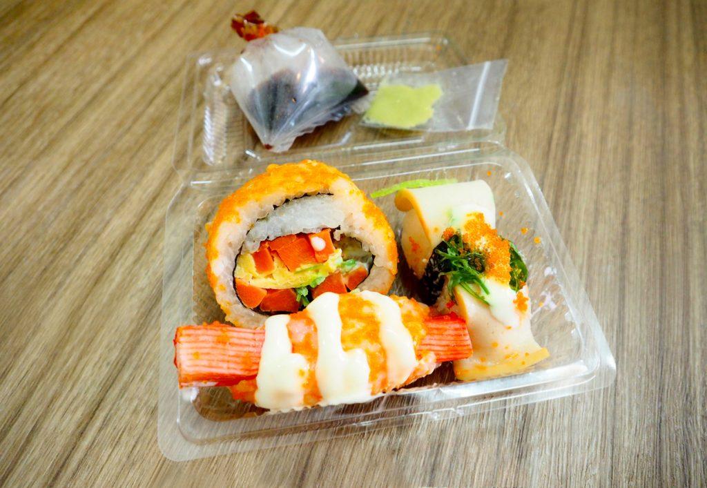Sushi ordinato a casa, il cibo preferito dopo pizza e hamburger