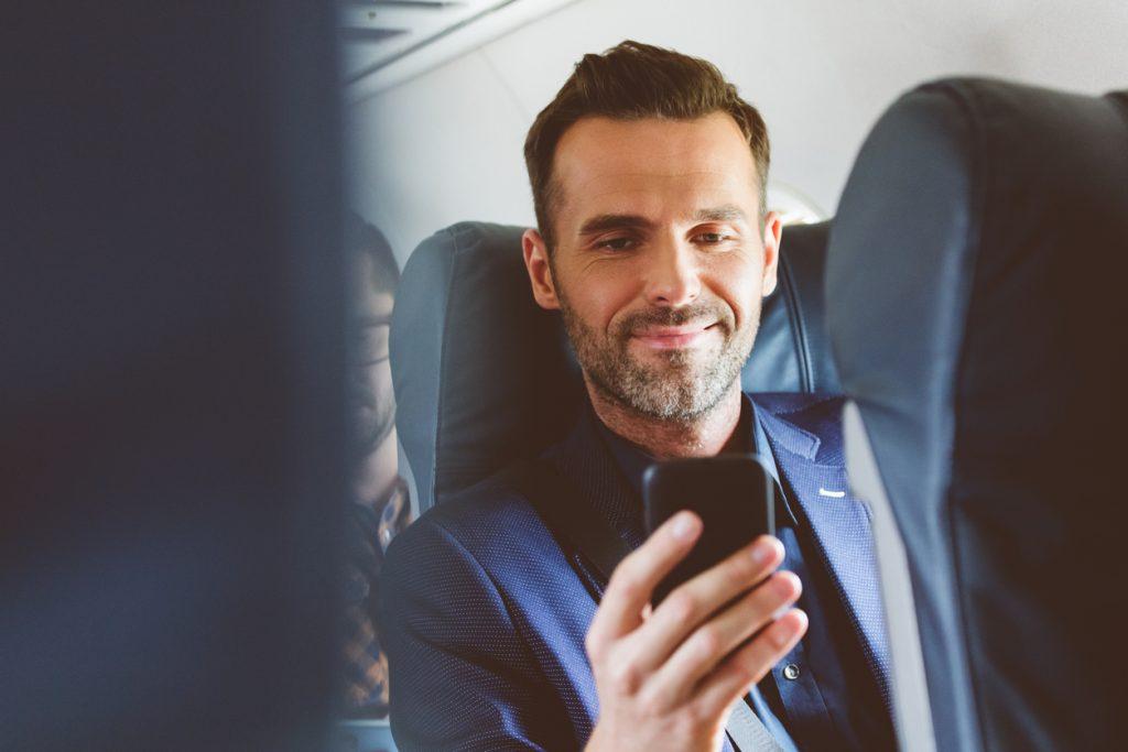I passeggeri si schierano contro le telefonate in aereo