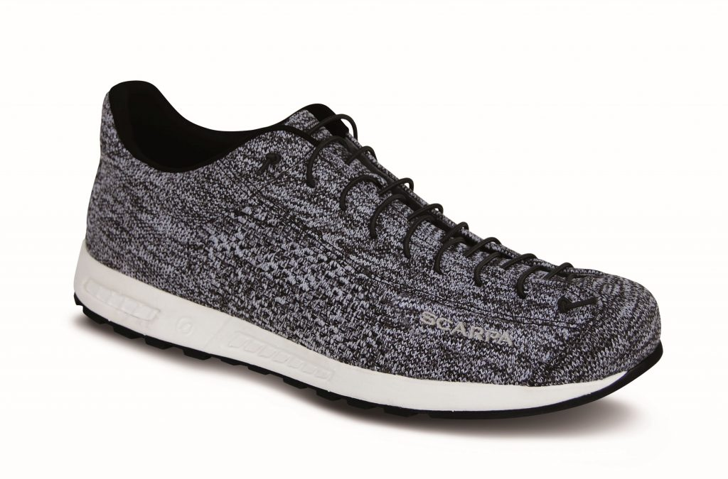 Outdoor shoes, sportive con stile casual