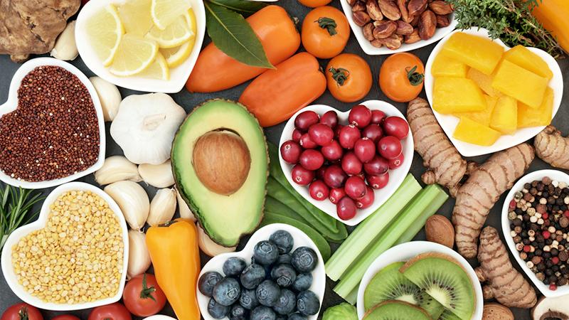 Frutta e verdura, se crude tengono lontano lo stress