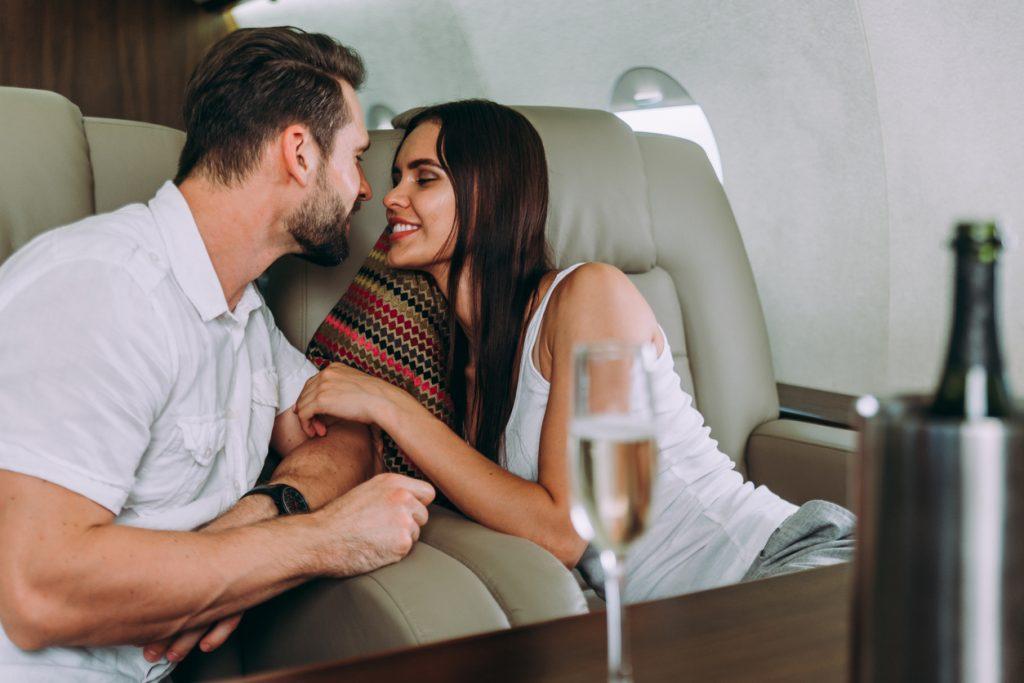 L'amore può arrivare a bordo di un aereo