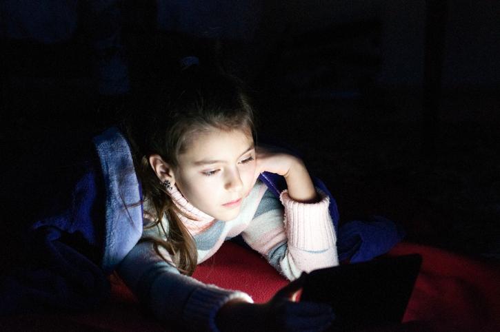 Niente tecnologia prima di andare a letto
