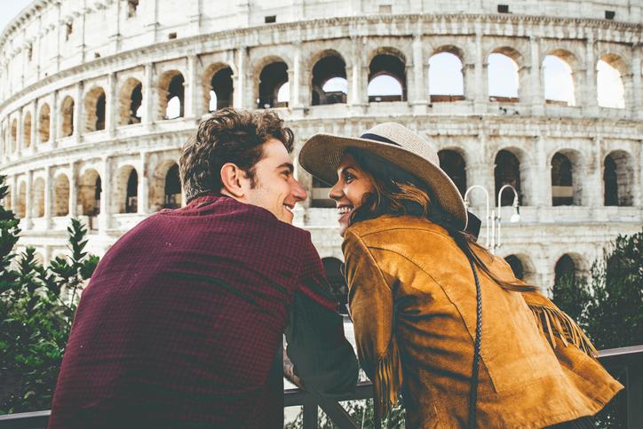 Storie d'amore con turisti stranieri