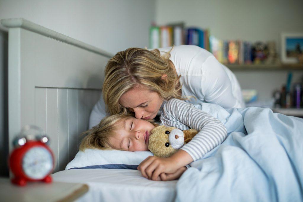 Come fare addormentare i bambini piccoli