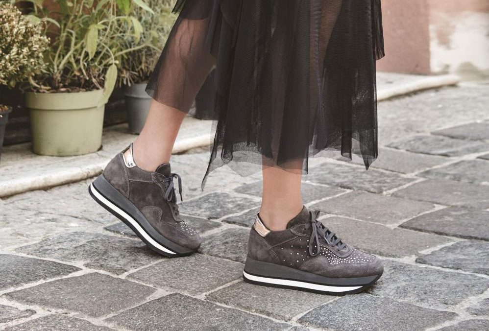 upper sneakers