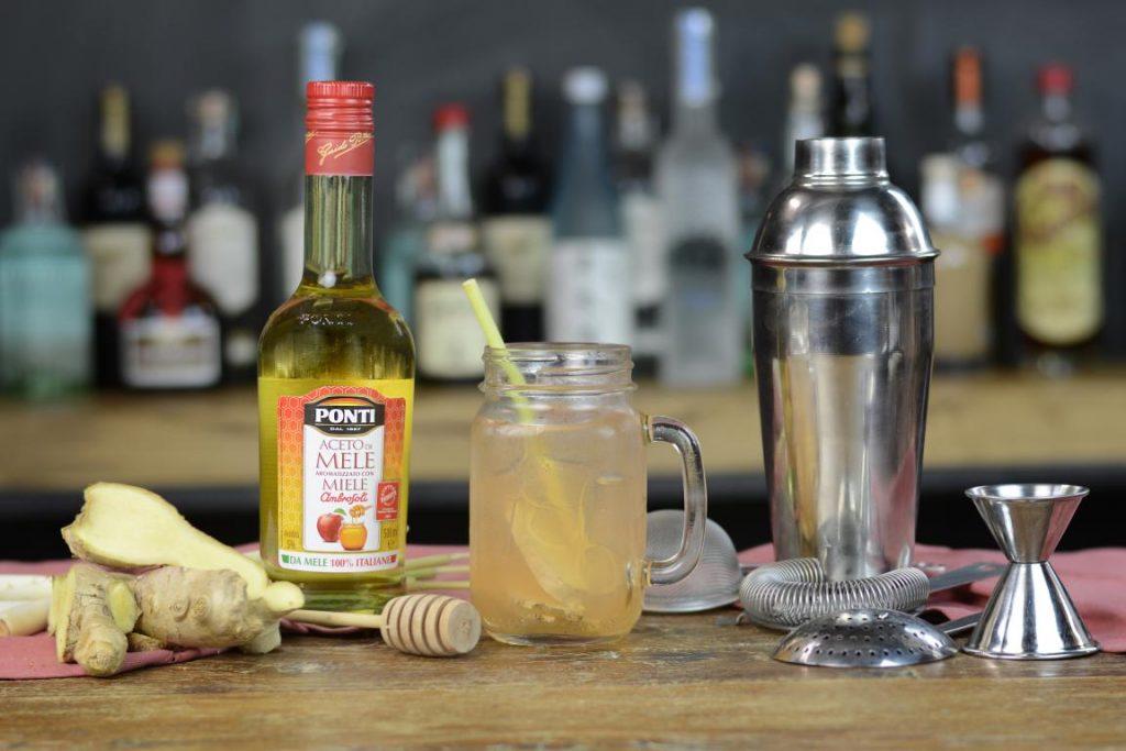 Ricetta – Drink Detox con l'aceto di mele e miele