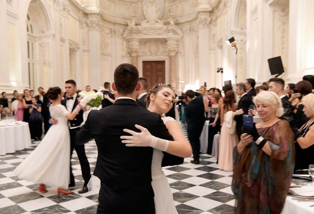 Un momento del ballo