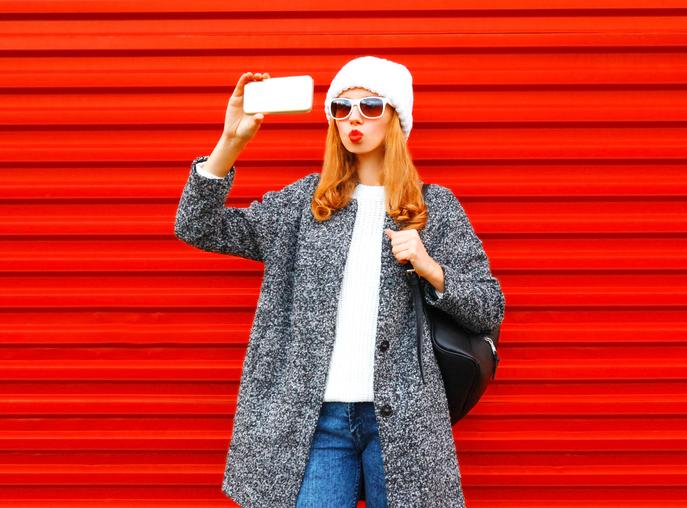 Troppi selfie ti fanno diventare narcisista