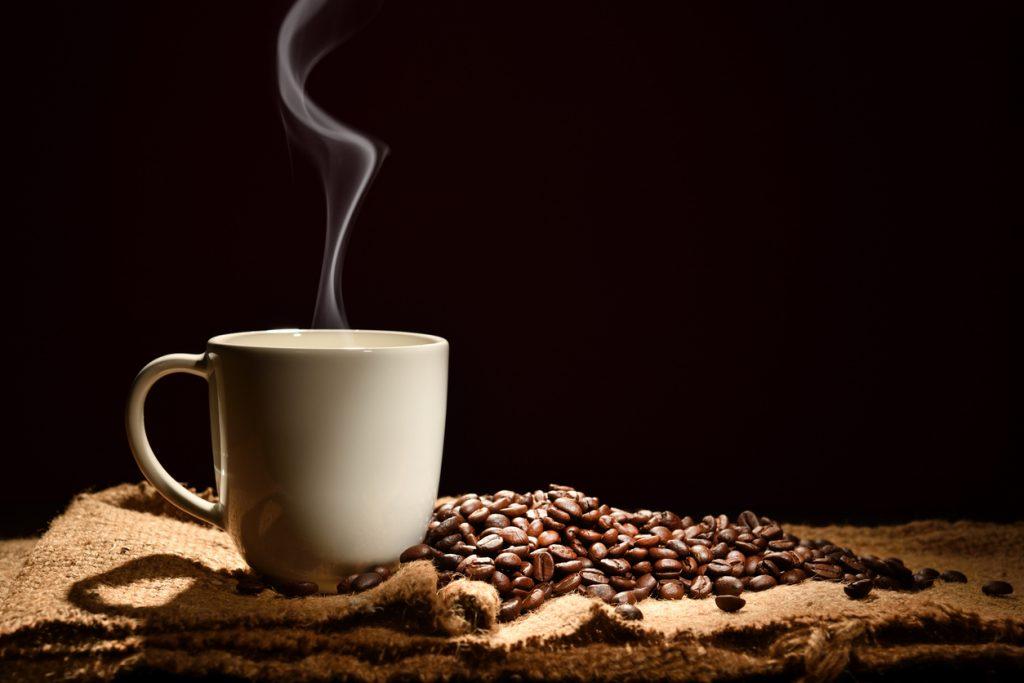 Il caffè fa bene al cervello e aiuta prevenirne le malattie