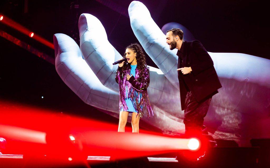 Finale di X Factor, Luna e Marco Mengoni sul palco