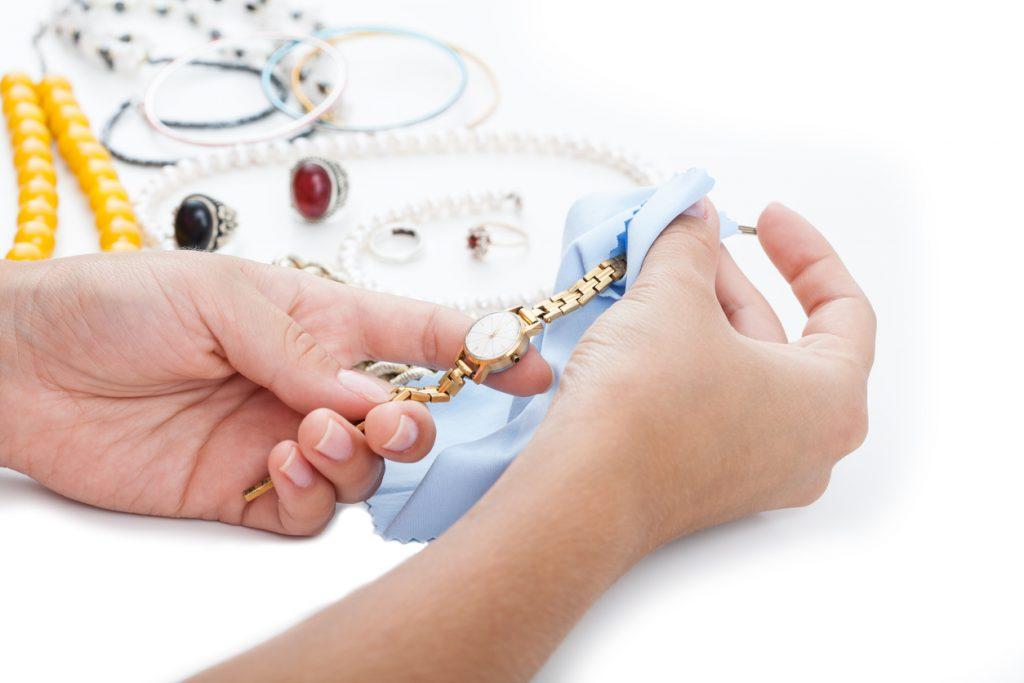 Come pulire il cinturino di un orologio