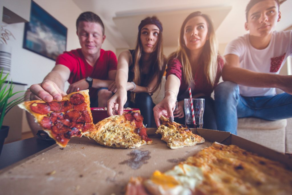 Serie TV e cibo: cosa mangiare davanti a ogni show