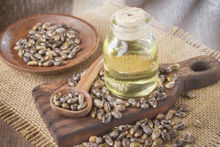 Ricino, i benefici del suo olio per pelle e capelli