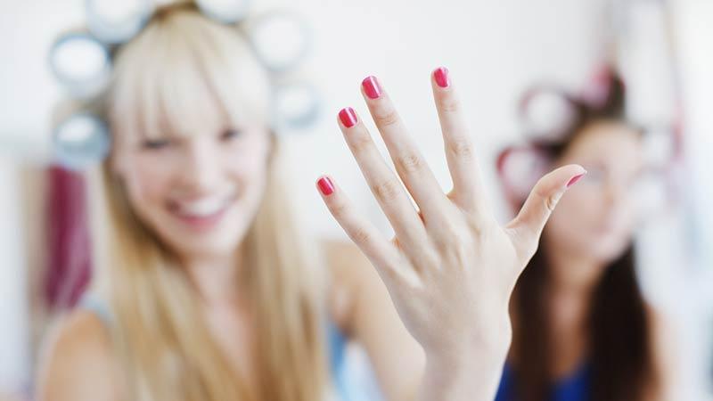 Manicure, anche le unghie hanno bisogno di riposo