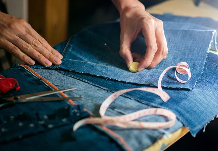 jeans asimmetrici