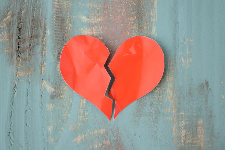 Il 'cuore infranto' non è una metafora