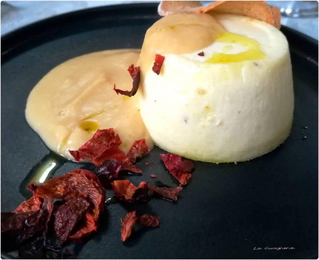 Sformato di baccalà con crema di ceci e peperoni cruschi