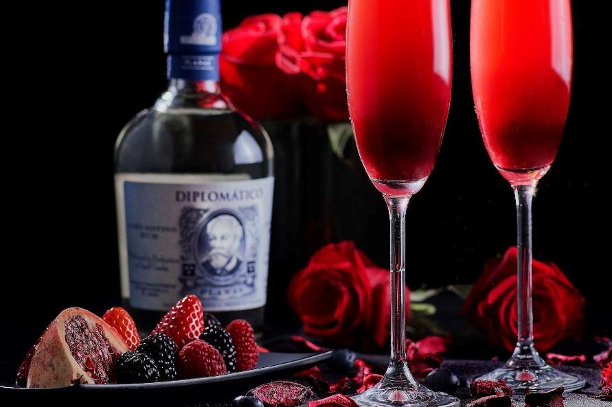 diplomatico cocktail, gin, rum e Caorunn