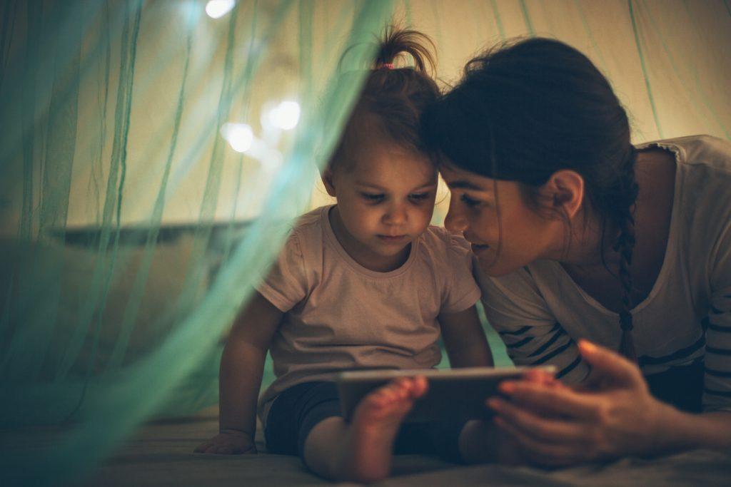 Generazione Alpha, bambini più tecnologici dei genitori