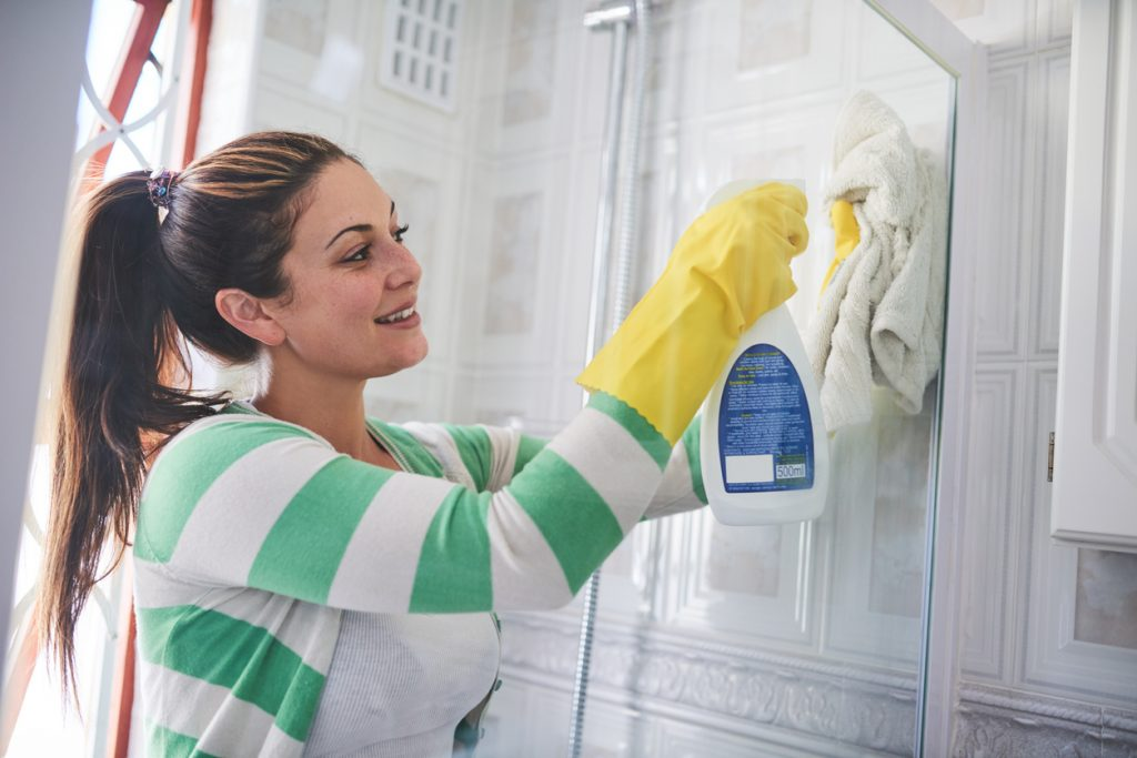 pulire bene la doccia