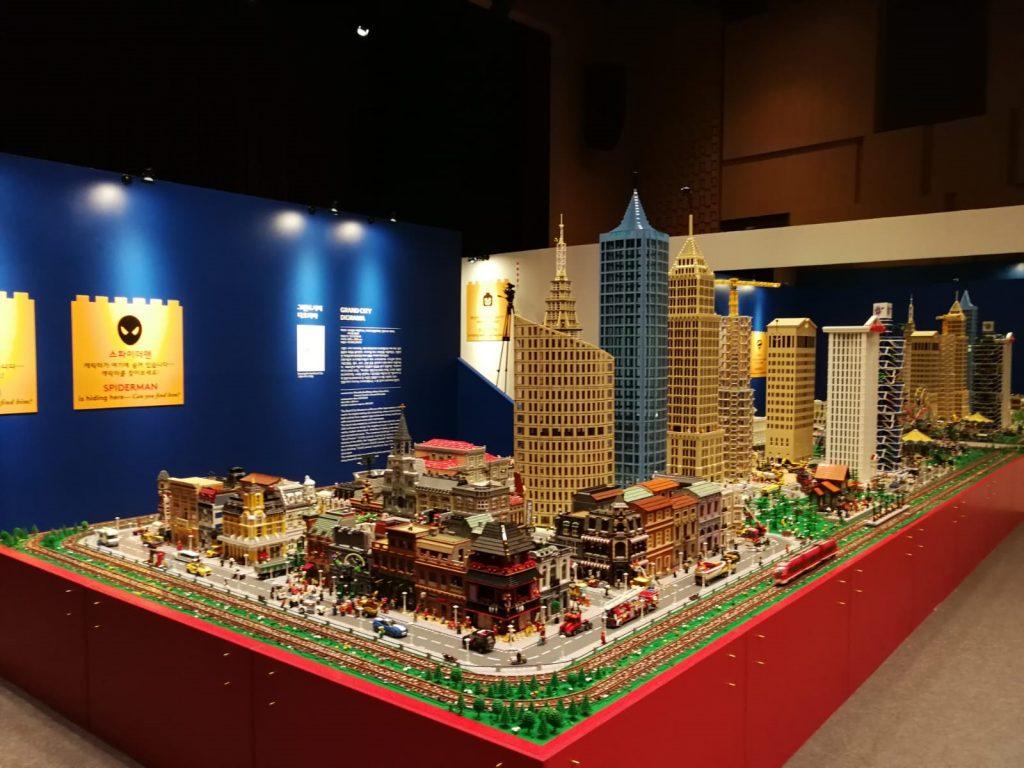 Genertel festeggia 25 anni con la grande mostra I Love Lego