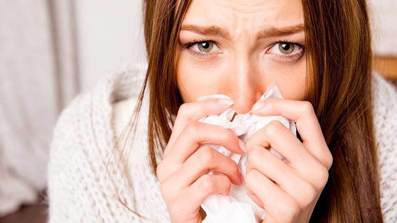 Sconfiggere il raffreddore? Prova con acqua e sale