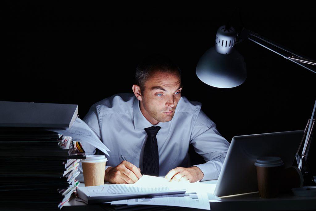 Workaholism, dipendenza dal lavoro che dilaga tra i giovani