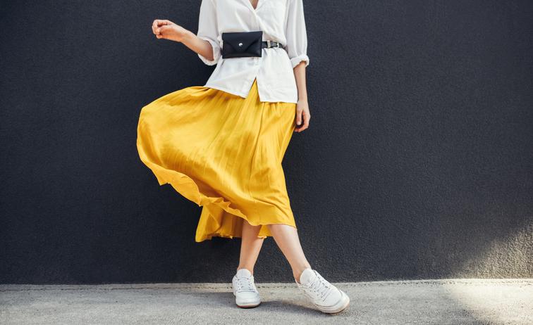 Gonna midi effetto pelle nel 2020 | Gonne sotto il ginocchio