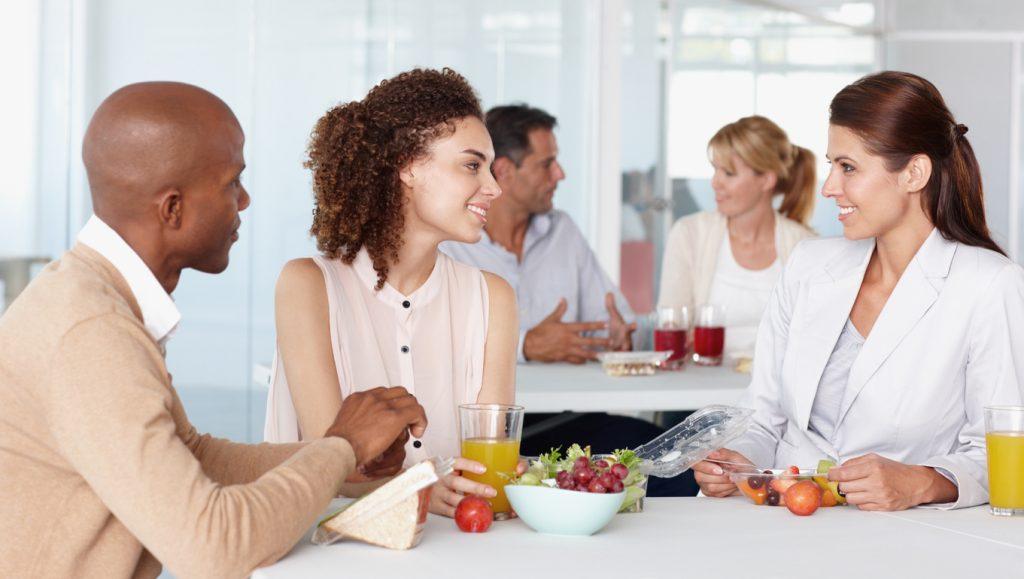 Pausa pranzo salutare, gli italiani mangiano bene