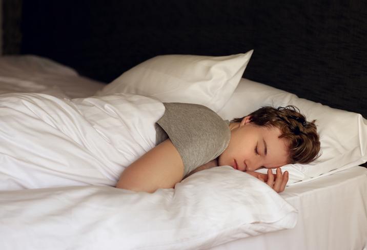 Adolescente imbronciato? Lascialo dormire