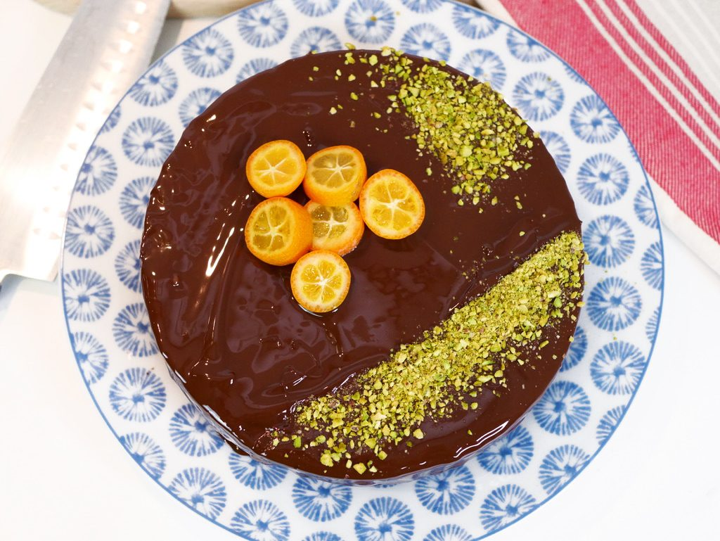 Torta arancia, curcuma e cioccolato. Un trionfo di sapore