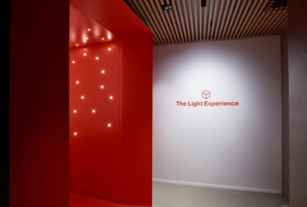 Più che una mostra, una 'light experience'