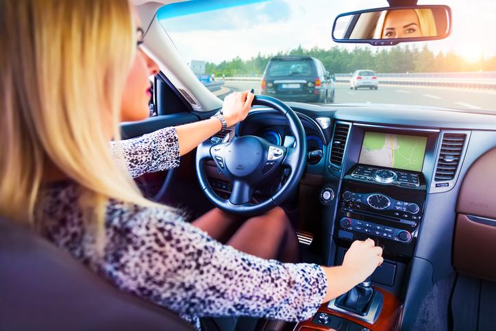 Donne al volante, quanti stereotipi