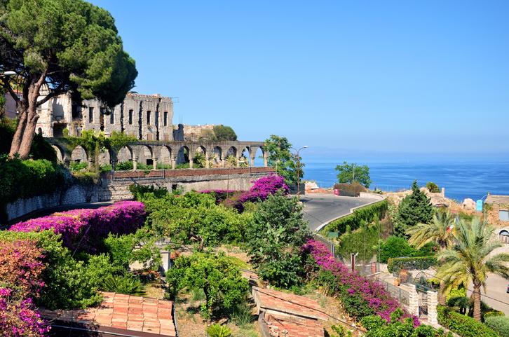 Taormina destinazione ideale per i Ponti di Primavera