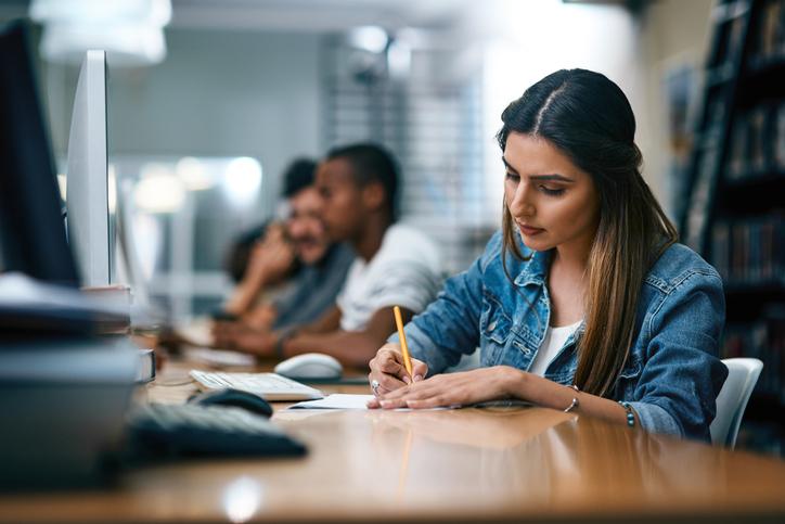 Un universitario su due soffre di ansia e di stress