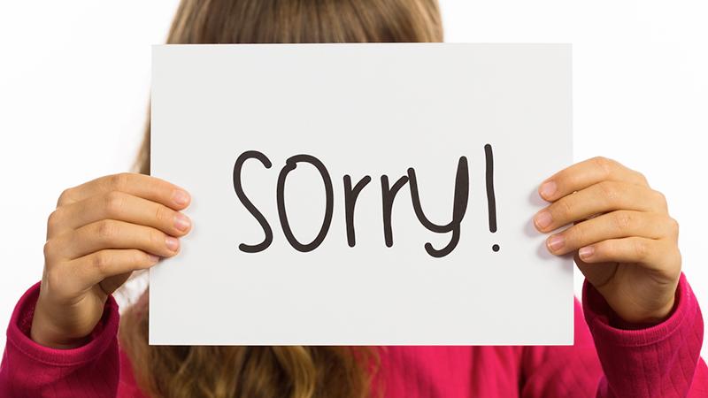 Chiedere scusa troppo spesso minaccia l'autostima