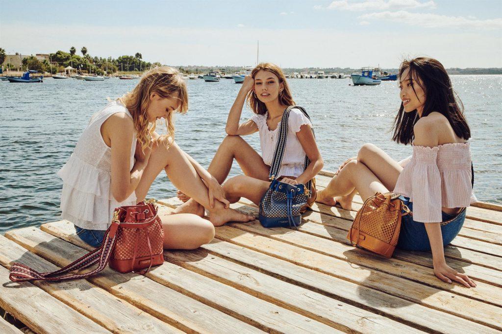Bucket bag, la borsa a secchiello must dell'estate