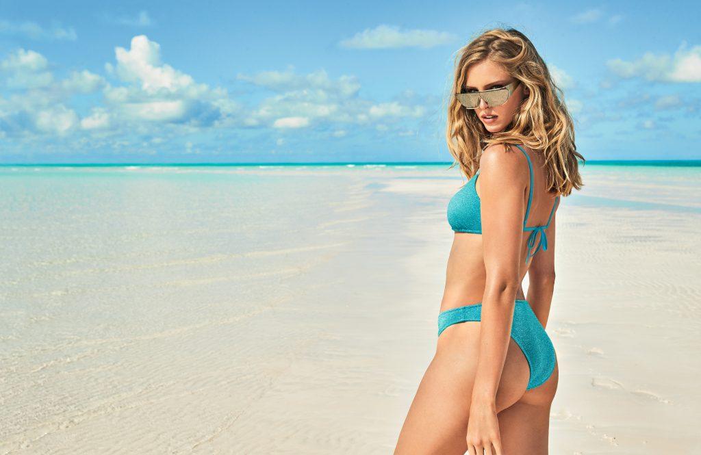 L'eleganza della semplicità nel beachwear