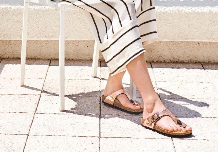 Sandali in sughero, l'estate è leggera (e glam)