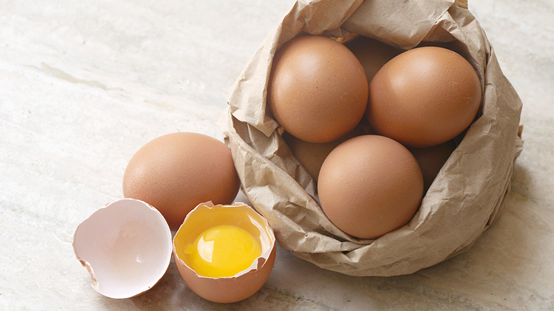uova benefici maculopatia