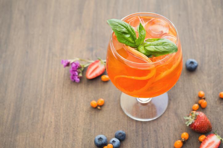 Frutta e Prosecco: il cocktail per festeggiare l'estate