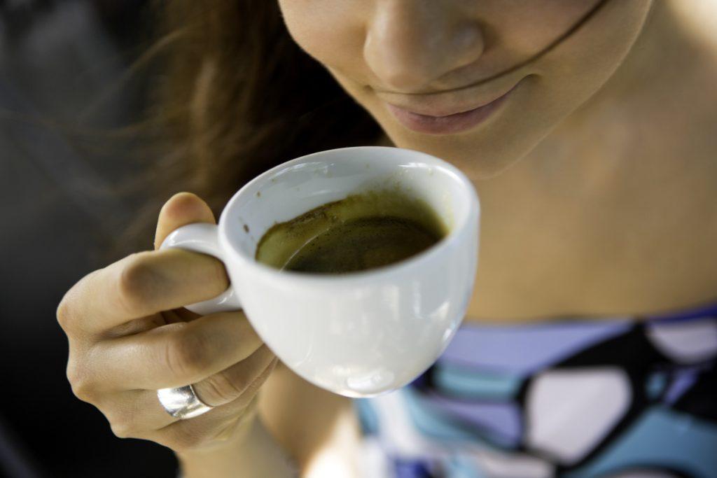 Bere il caffè fa bene. Parola di scienziati