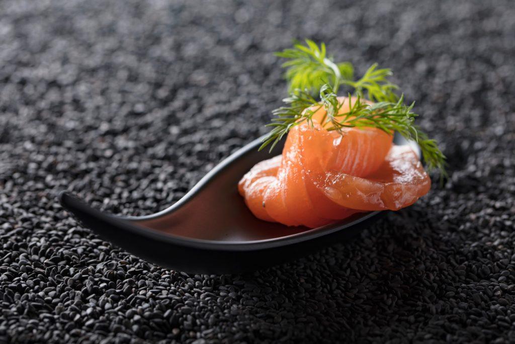 """Salmone norvegese, il più amato dai """"sushi-lovers"""""""