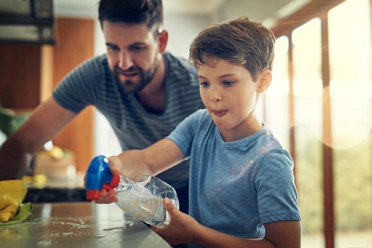 Pulizie domestiche, anche i bimbi possono aiutare