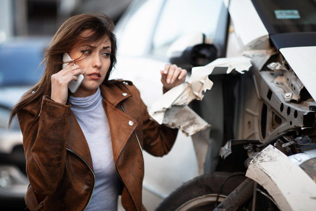 Danneggiare l'auto in sosta? Meglio darsi alla fuga