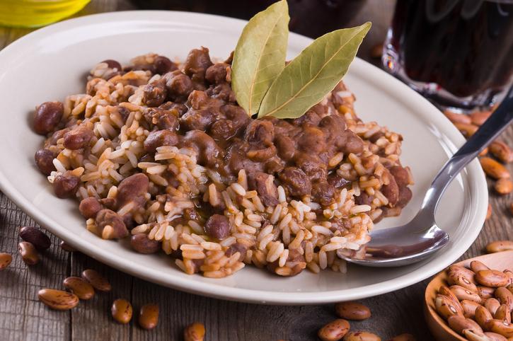 Fagioli speziati e riso, uno stufato super nutriente