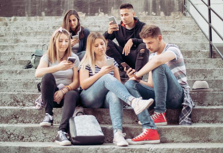 Lo smartphone provoca problemi di sesso e di alcolismo
